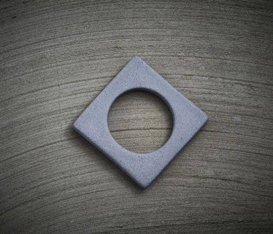 Change ljusmanchett från Cult design. Färg: Matt grå betong.