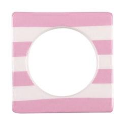 Change ljusmanchett från Cult design. Färg: Vit med rosa ränder.
