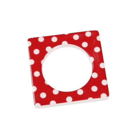 Change ljusmanchett från Cult design. Färg: Röd med vita prickar.