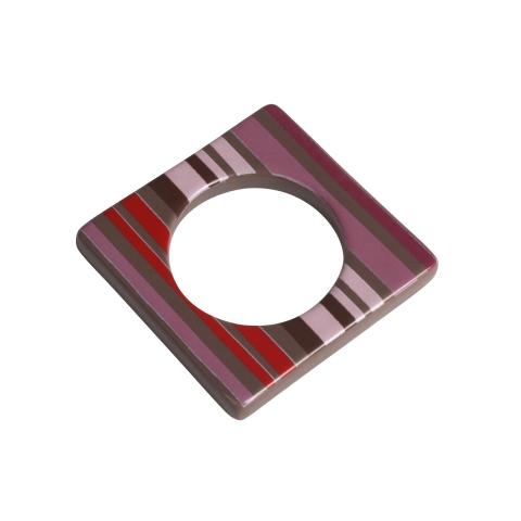 Change ljusmanchett från Cult design. Färg: Mullvad med rosa röda och svarta ränder.