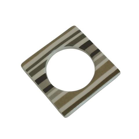 Change ljusmanchett från Cult design. Färg: Vit med grå, beiga och svarta ränder.