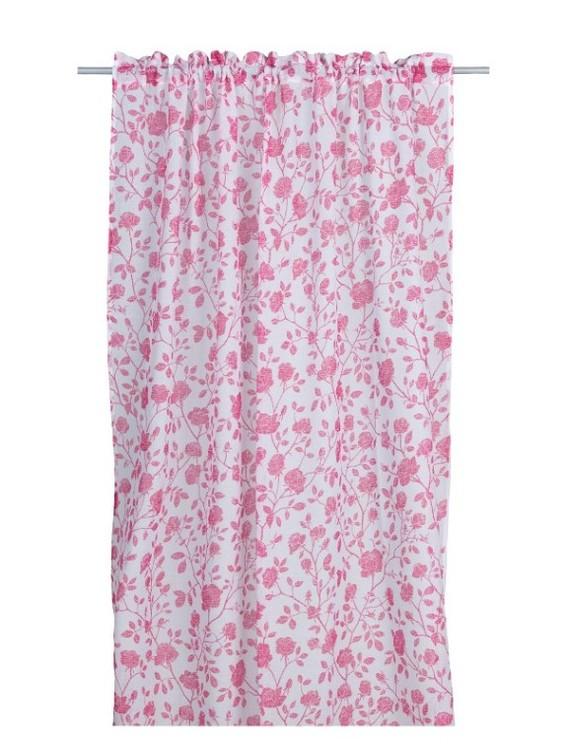 Brita Rose ett gardinset med kanaler från Noble house. Färg: Vit skir väv med rosa rosor.