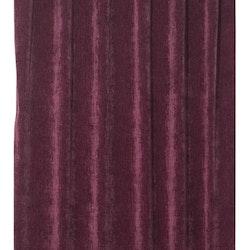 Soft ett gardinset i dubbelsidig melerad sammet. Färg: Mörkröd.