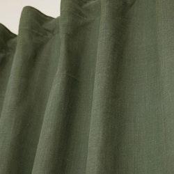 Enzyme ett gardinset i tvättad bomull. Färg: Mörkgrön.