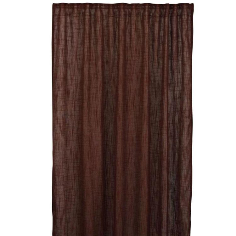Uffe ett gardinset från Boel & Jan. Färg: Rödbrun.
