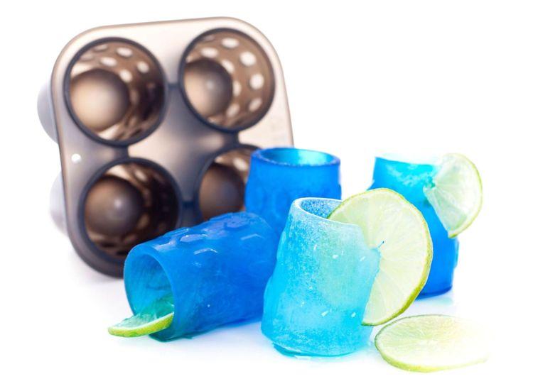 Funny shotglas isbitsform i silikon från Modern house. Färg: Svart.