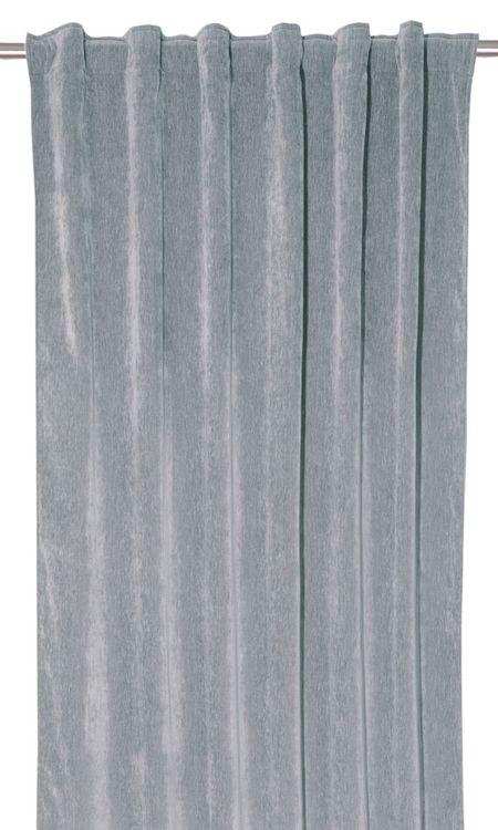 Soft ett gardinset i dubbelsidig melerad sammet. Färg: Ljusblå 072.