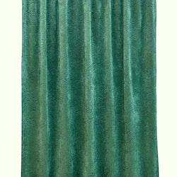 Roma paisley är en gardinlängd i sammet med multiband. Färg: Grön.