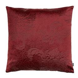 Roma paisley ett kuddfodral i sammet. Färg: Vinröd.