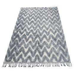 Teo en härlig ryamatta i bomull 160 x 230 cm. Färg: Vit och blå.