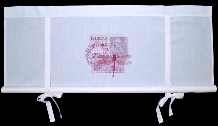 REA! Knythissgardin bredd 120 cm. Färg: Vit med ett rosa tryck.