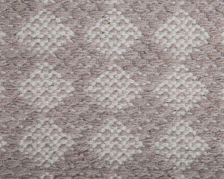 Temmy 160 x 230 cm en snygg bomullmatta med ett skönt mönster. Färg: Beige och off-white.