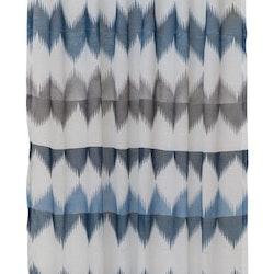 8652-20-008 ett gardinset multiband. Färg: Vit med ett blått mönster.