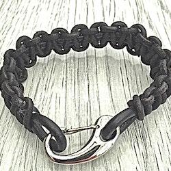 Armband Paracord i läder och stål. Art.nr 2028 svart. Färg: Svart och stål.
