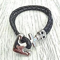 Armband i läder och stål. Art.nr 2036. Färg: Svart och stål.