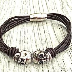 Armband i läder och stål. Art.nr 2055. Färg: Svart och stål.