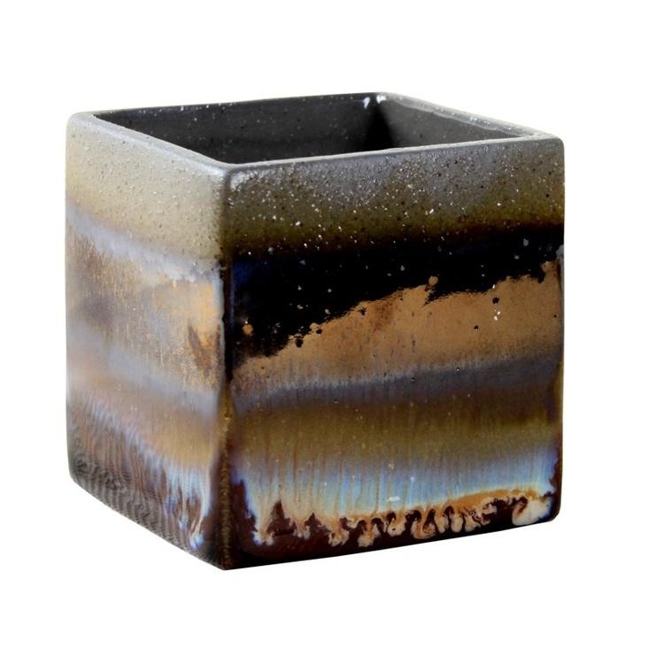 Cube mineral bowl från Cult design. Färg: Grå med brända bruna, vita och blå stänk.