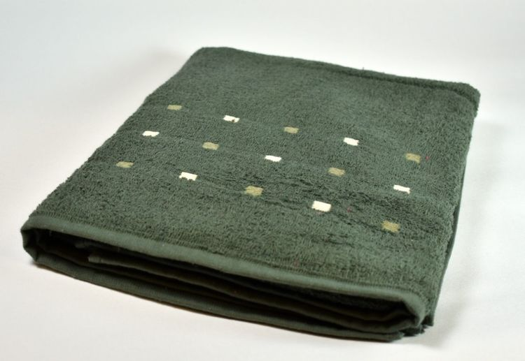Frottébadlakan från Queen Anne. Färg: Mörkgrönt. Mått: 70 x 130 cm.