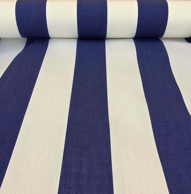 Markisväv/uteväv Java bredrandig marin och vit. Material 100% Dralon. Bredd 130 cm.