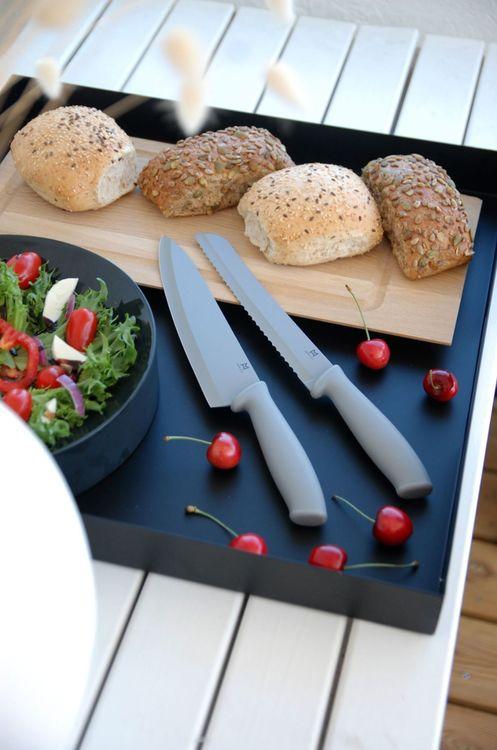 Kockkniv Sam med Teflonbehandlat blad från Modern house. Färg: Grå.