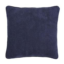 Manchester ett kuddfodral i en smalspårig manchester. Färg: Blå. Mått: 60 x 80 cm.