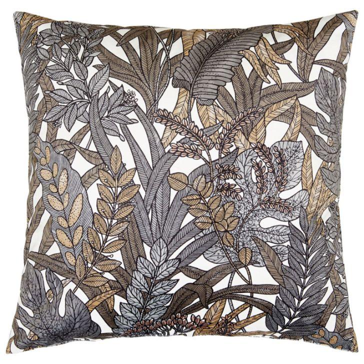 Tropical leaves ett underbart kuddfodral i sammet, art.nr 30503-97. Färg: Vit botten med blad i grå och bruna toner.