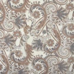 Zara ett gardinset med multiband, art.nr 22466-15. Färg: Off-white botten med ett tryck i bruna och grå toner.