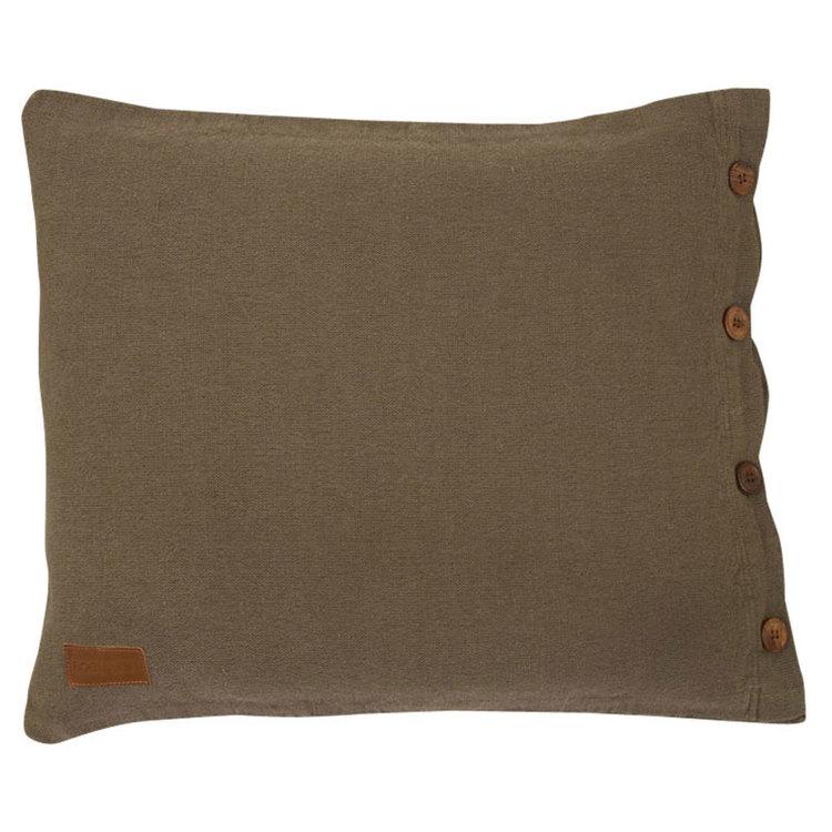 Rustik ett grovt vävt kuddfodral med 4 träknappar, art.nr 22050-85. Färg: Brun.
