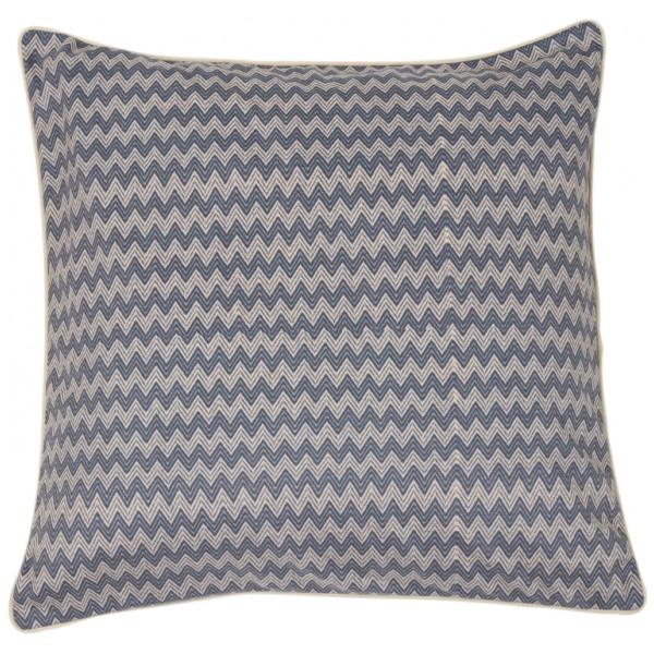 Wilhelm ett kuddfodral i den skönaste sammeten. Färg: Blått och beige zick zack mönster med en beige sammetsbaksida.
