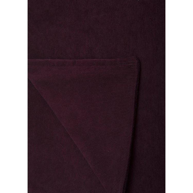 Henry en pläd med en skön Manchester på båda sidor, art.nr 9964-71-044. Färg: Vinröd.