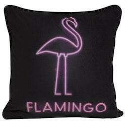 Flamingo ett kuddfodral i sammet med LED belysning, art.nr 9650-47-009. Färg: Svart med en rosa flamingo.