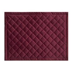 Quilty en lyxig tablett i sammet, art.nr 9859-82-041. Färg: Röd.