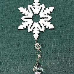 Snöflinga 3 julgranshänge med prismor från Cult design, art.nr 16937701. Färg: Vit med glitter och hängande prismor.
