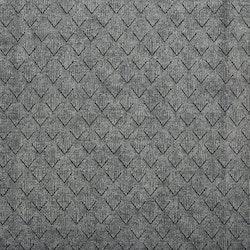 Rhombus en löpare i kraftig sammet, art.nr 891863-04. Färg: Grå.