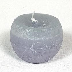 Klotljus i stearin. Brinntid ca 10 tim. Färg: Lavendel.