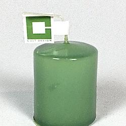 Blockljus i stearin från Cult design. Brinntid ca 4 tim. Färg: Grön.