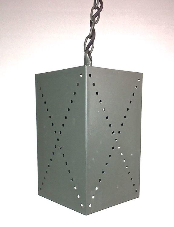 Rustik en taklampa i plåt med patina, sockel E14. Färg: Grå.