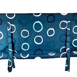 REA! Knythissgardin Färg: Blå med blå och vita ringar.