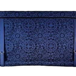 REA! Knythissgardin Teodor. Färg: Blå.
