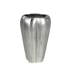 Vas i gjuten aluminium. Färg: Aluminium.