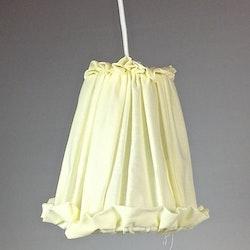Lampskärm till hängande lampor. Färg: Off-white.