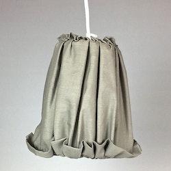 Lampskärm till hängande lampor. Färg: Mullvad.