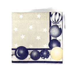 Julservett Julkulor i 4 lager. Färg: Vit, blå och beige.