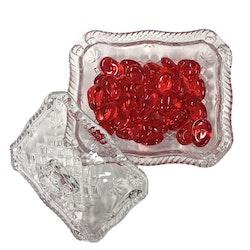 Gammaldags godisskål med lock i glas. Färg: Glas.