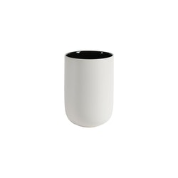 Kaffe/temugg Skagen en ¨mixa och matchservis¨i Vit med en svart insida från Modern House. Mått H 11, D 7,5 cm. 375 ml.
