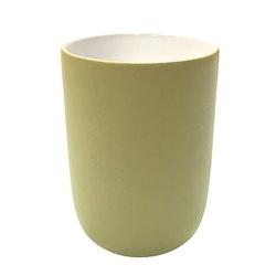 Kaffe/temugg Skagen en ¨mixa och matchservis¨i gul med vit insida från Modern House. Mått H 11, D 7,5 cm. 375 ml.