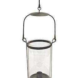 Ljuslykta med med en glascylinder och med en skön patinerad look. Färg: Grå patinerad metall.