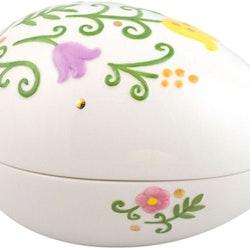 Paulinas påskgömma är ett vackert påskägg från Cult design med ett blommönster. Färg: Vitt med ett blommönster.