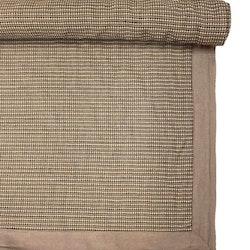 Matta med langetterad kant. Mått 140 x 210 cm. Material 100% bomull. Färg: Bruna toner.
