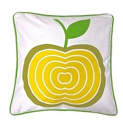 Äpplet ett kuddfodral i bomull, art.nr 891089. Färg: Vitt med ett gult och grönt äpple och en grön baksida.